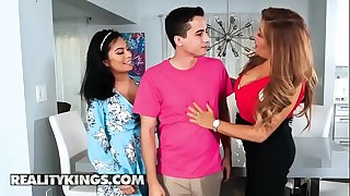 Moms Glimpse Teens - (Monica Asis, Alessandra Miller, Ricky Spanish) - Stepmoms Coaching - Reality Kings